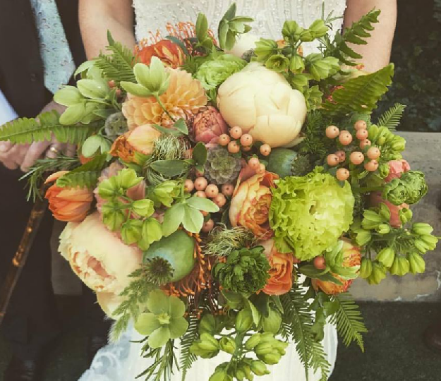 green bouquet. may bride